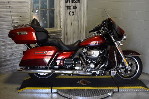 Pre-Owned 2018 Harley-Davidson Touring Ultra Limited FLHTK
